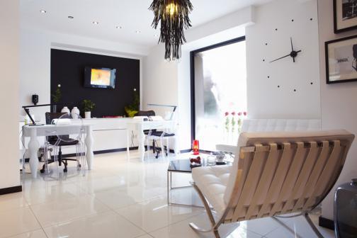Salon Kosmetyczny Manicure Pedicure Przedłużanie Rzęs Makijaż